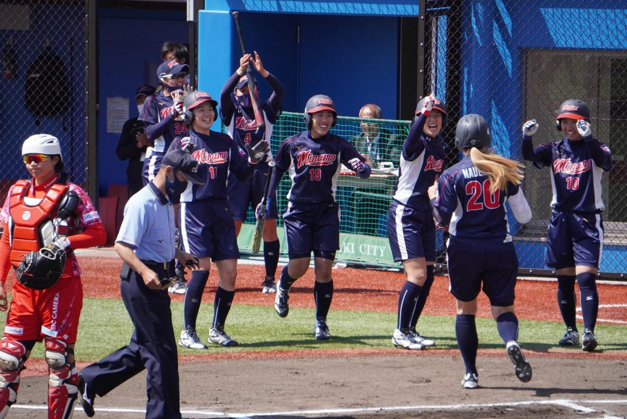 ソフトボールの日本リーグ女子1部は19日、第3節の3日目(予備日)が群馬県高崎市...