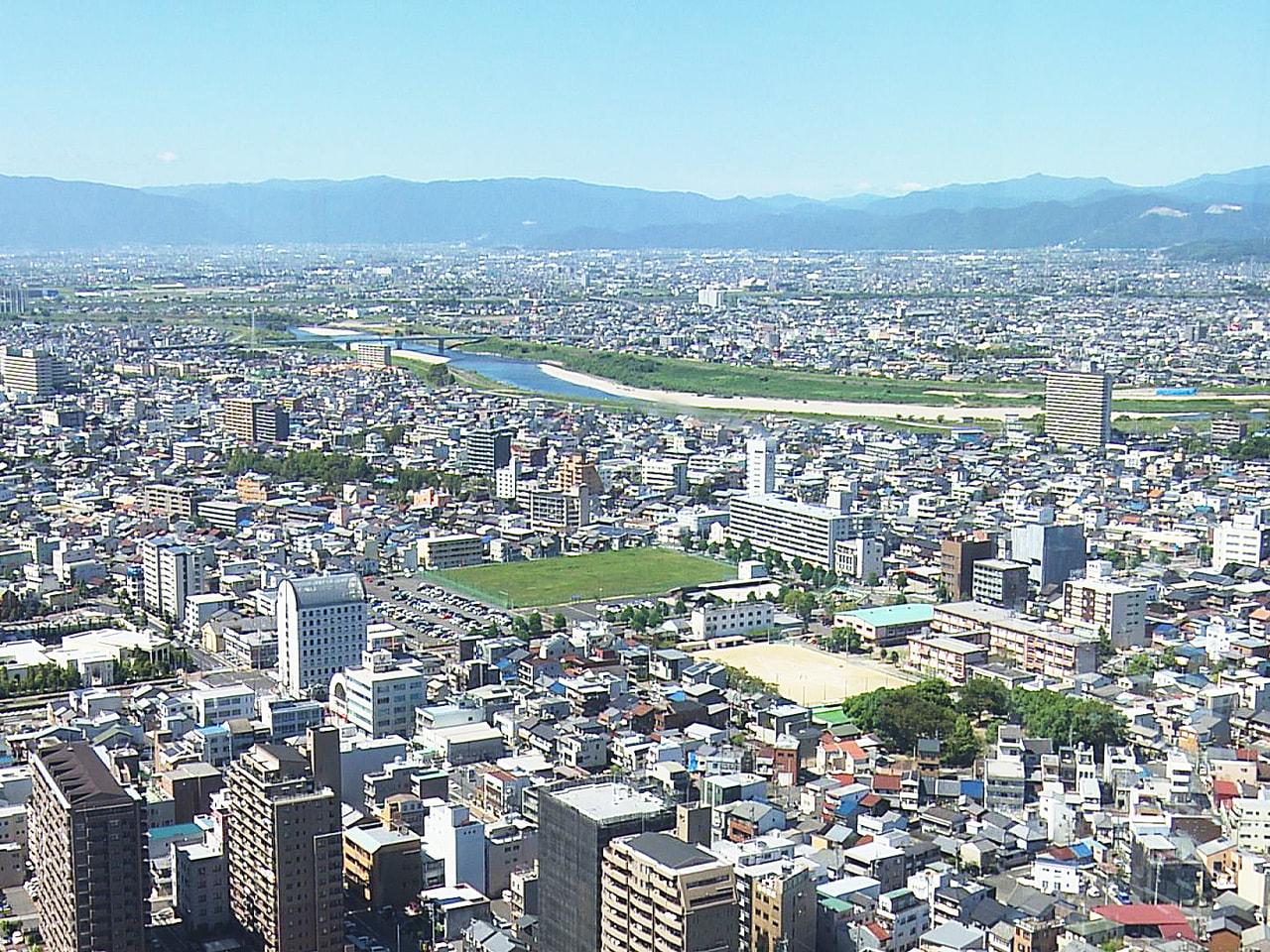 10月に入っても連日、季節外れの暑さが続いており6日も、岐阜市など美濃地方平野部...