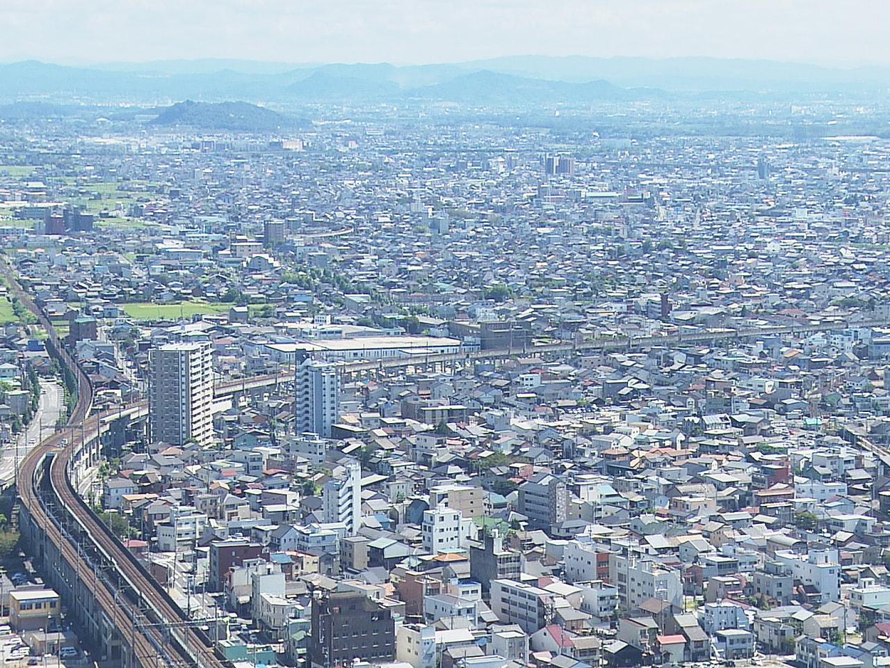 土地の取引価格の指標となる、ことし7月1日現在の岐阜県の地価調査の結果が21日、...