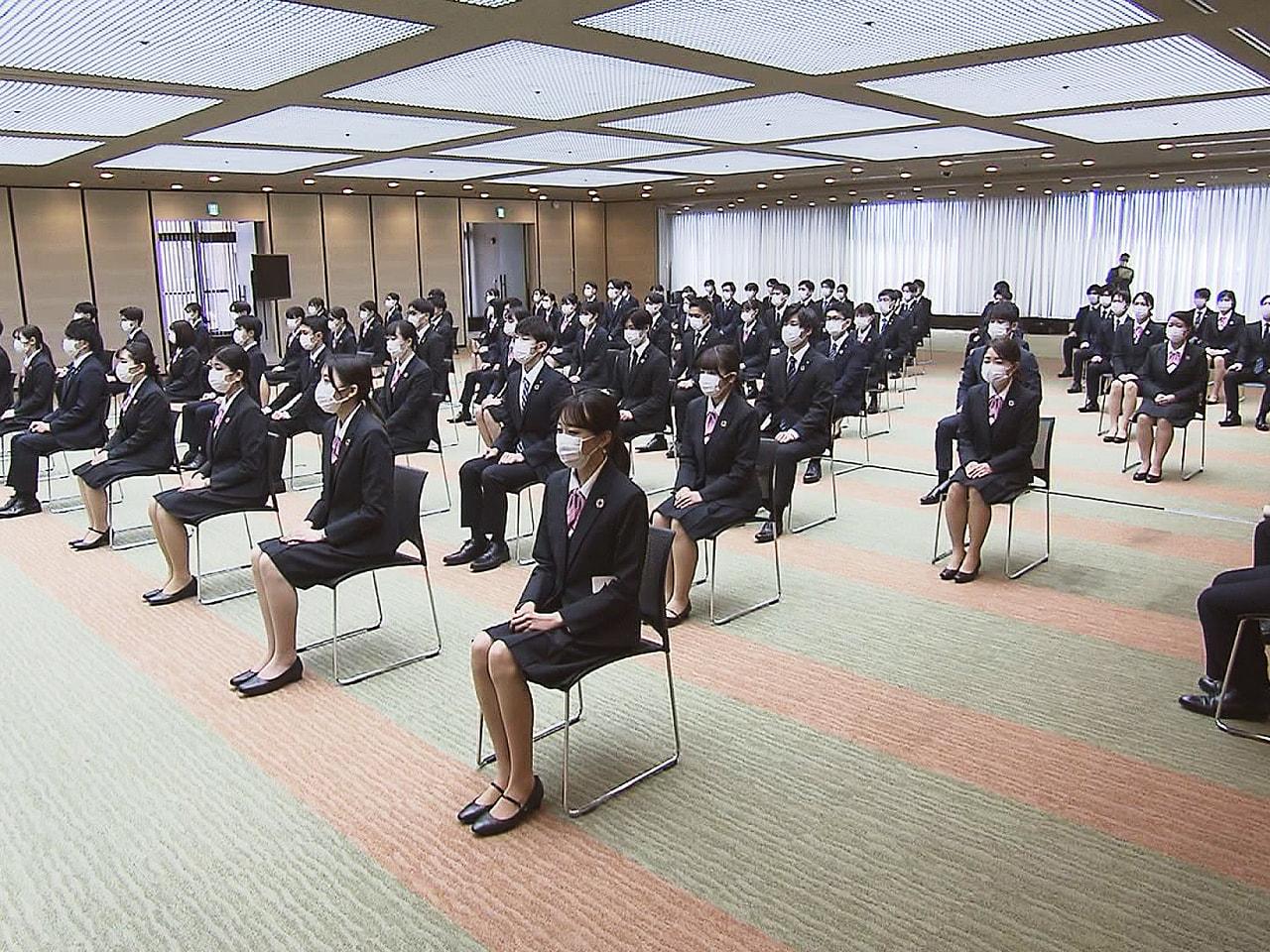 岐阜県では1日、多くの企業で入社式が行われ、若者が社会人としての歩みを始めました...