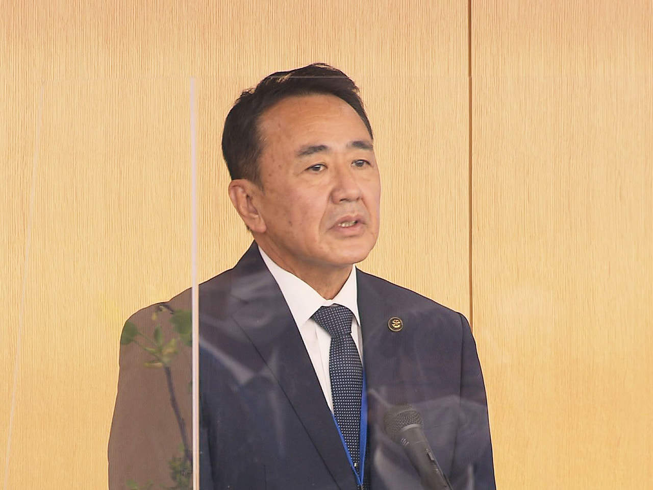 4月18日にあった岐阜県大垣市長選挙で当選した元市議会議長の石田仁さんが22日、...