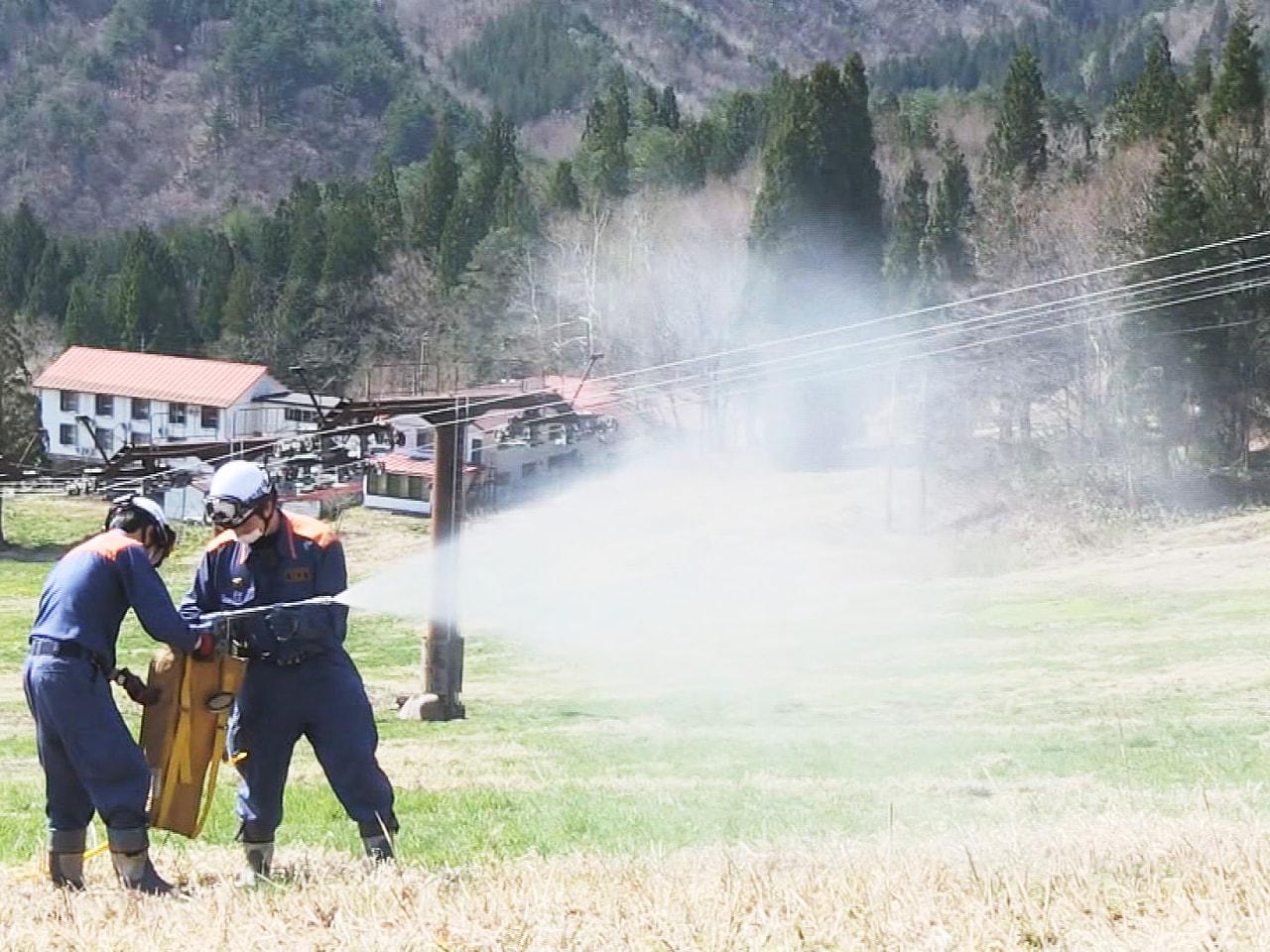 岐阜県の防災航空隊と岐阜県飛騨市消防本部は、乾燥するこの時期に多発する山林火災に...
