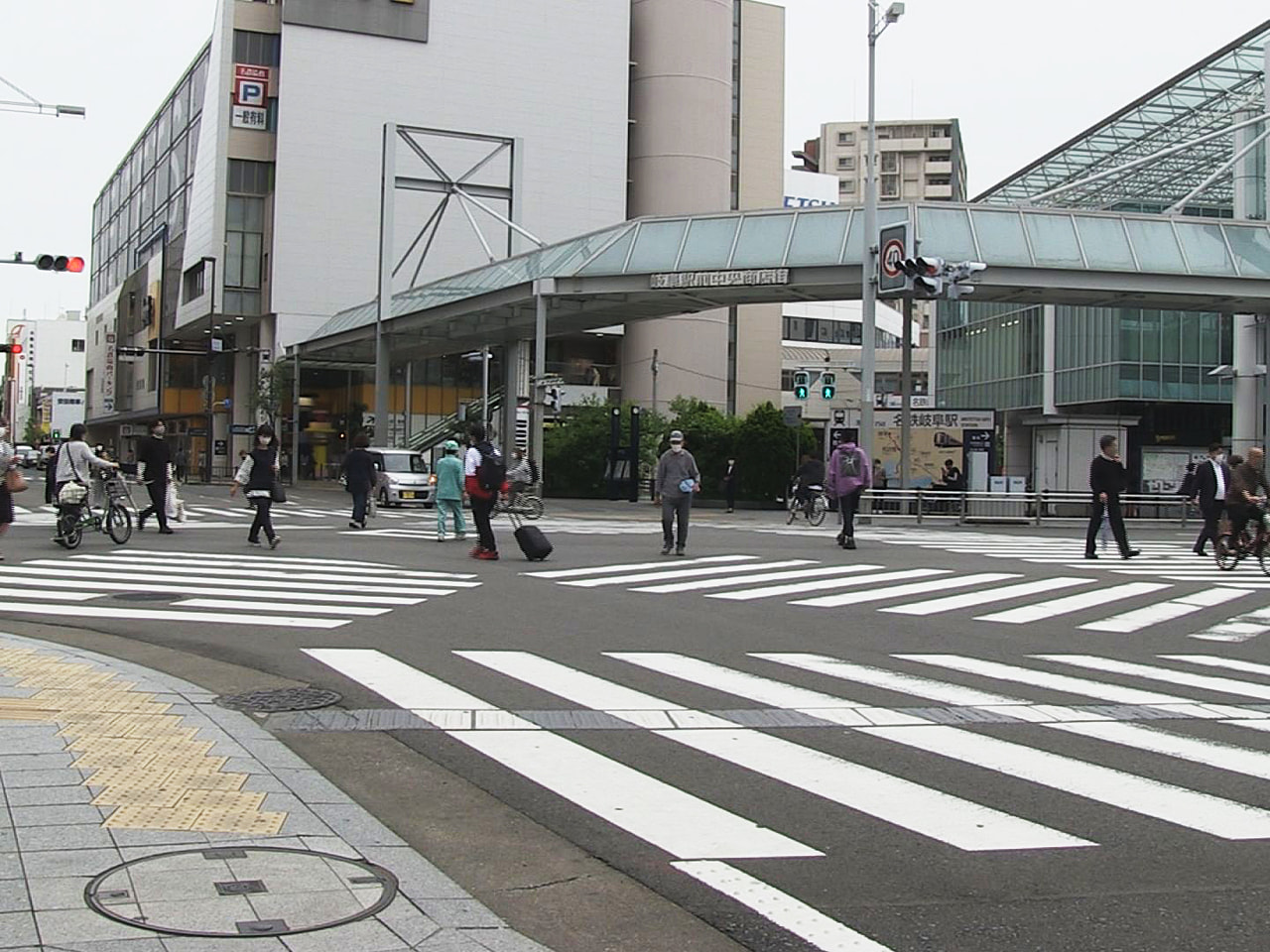 まん延防止等重点措置が岐阜県に適用されることを受けて、街の人からは仕方ないとしな...