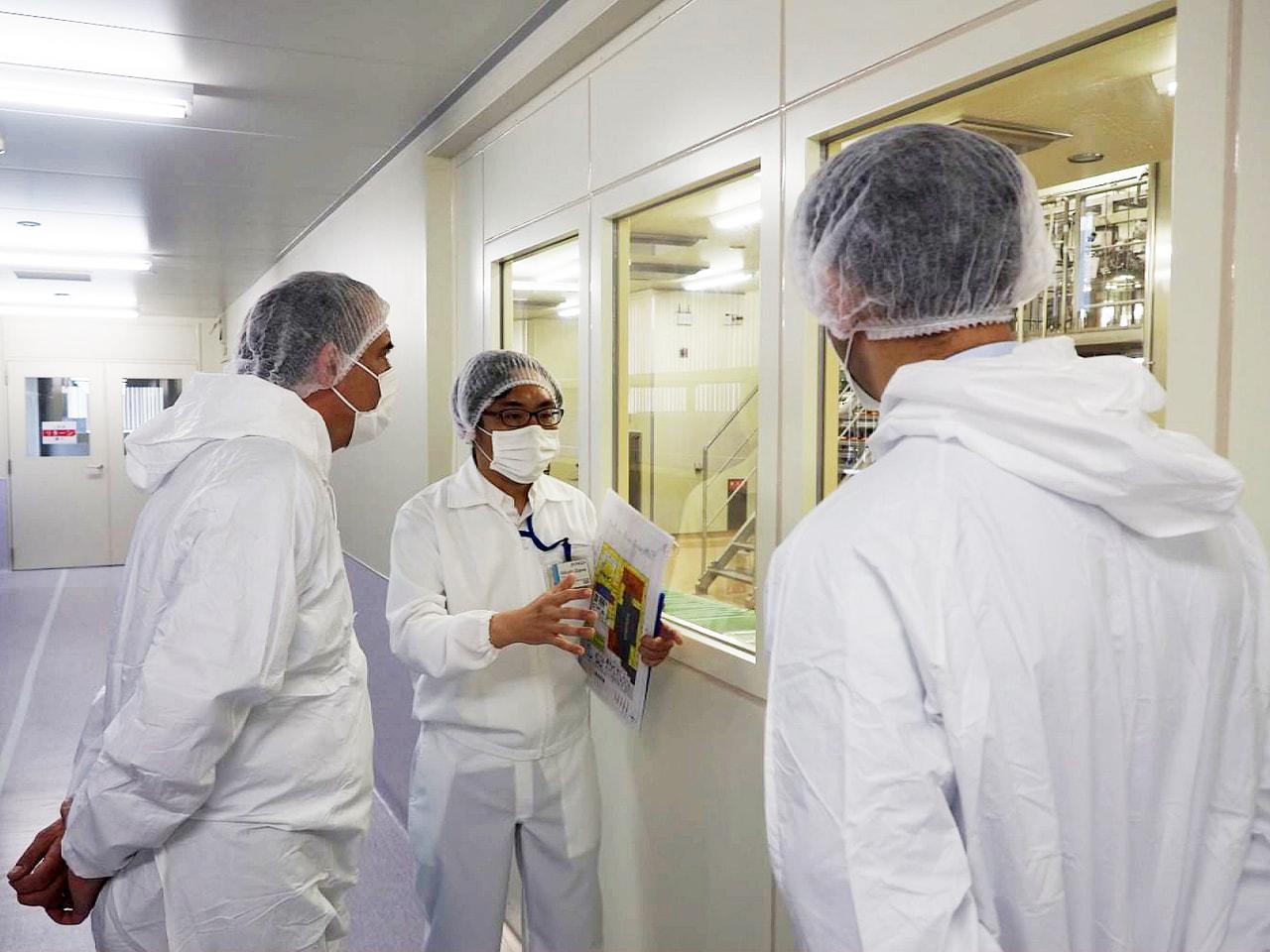 フランスの駐日大使と大手製薬会社の日本法人幹部が、岐阜県揖斐郡池田町のバイオ医薬...