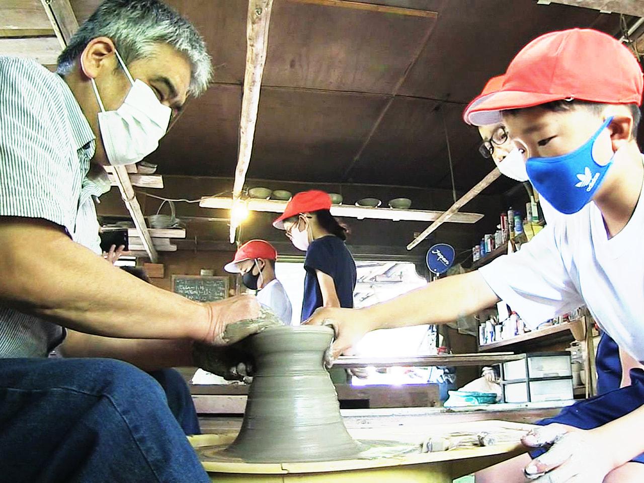 伝統工芸の美濃焼の魅力を知ってもらおうという取り組みです。 岐阜県土岐市で小学生...