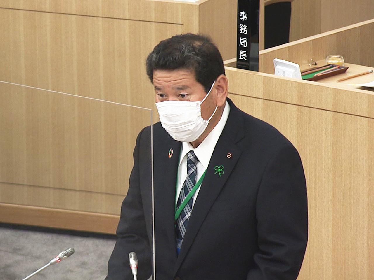 岐阜市議会は10日、新しい庁舎で初めて定例会を開き、新たな議長に最大会派「自民岐...