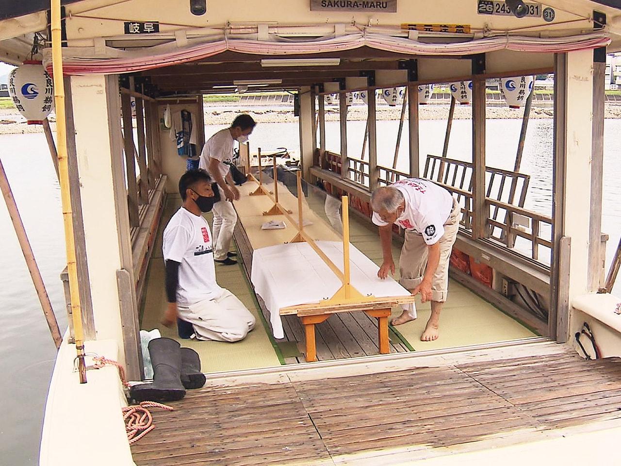 新型コロナウイルスの影響で延期されている岐阜市の長良川鵜飼の開幕を控え、観覧船の...