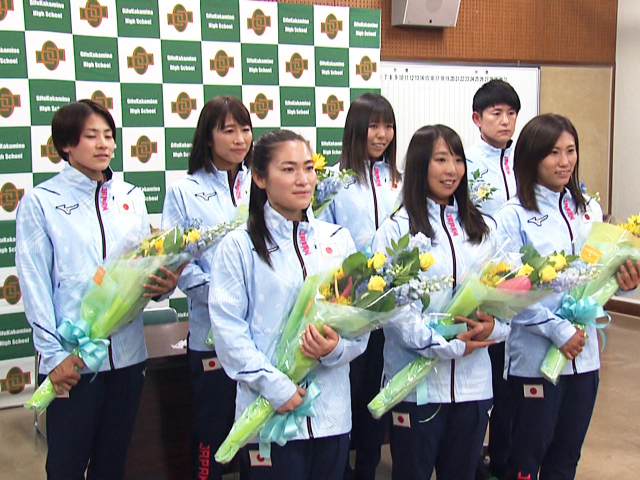 東京オリンピックに出場するホッケー女子日本代表「さくらジャパン」のメンバーが21...