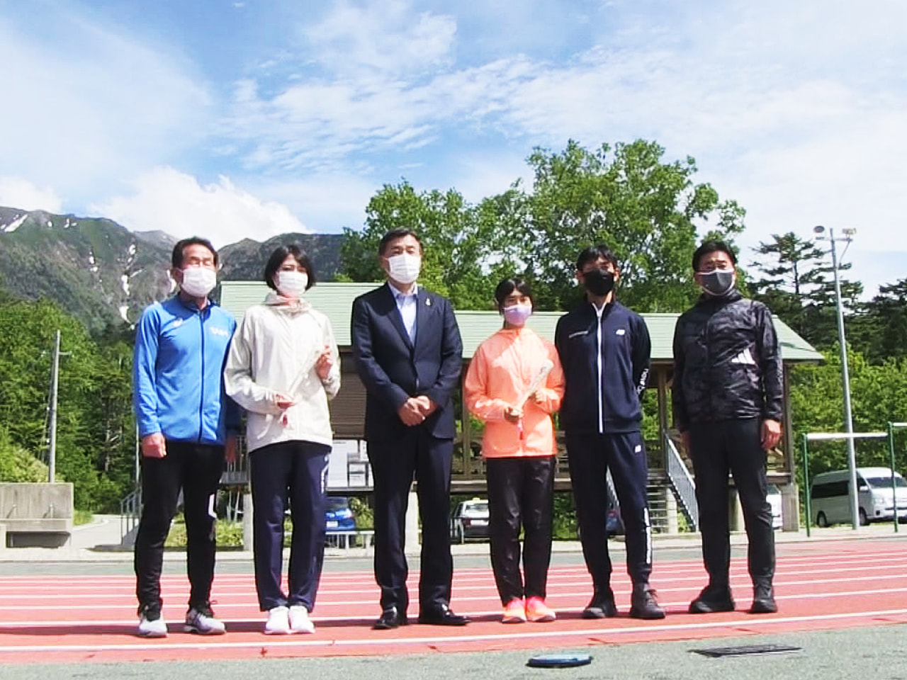 東京オリンピックの日本代表で、「飛騨御嶽高原高地トレーニングエリア」で調整する2...