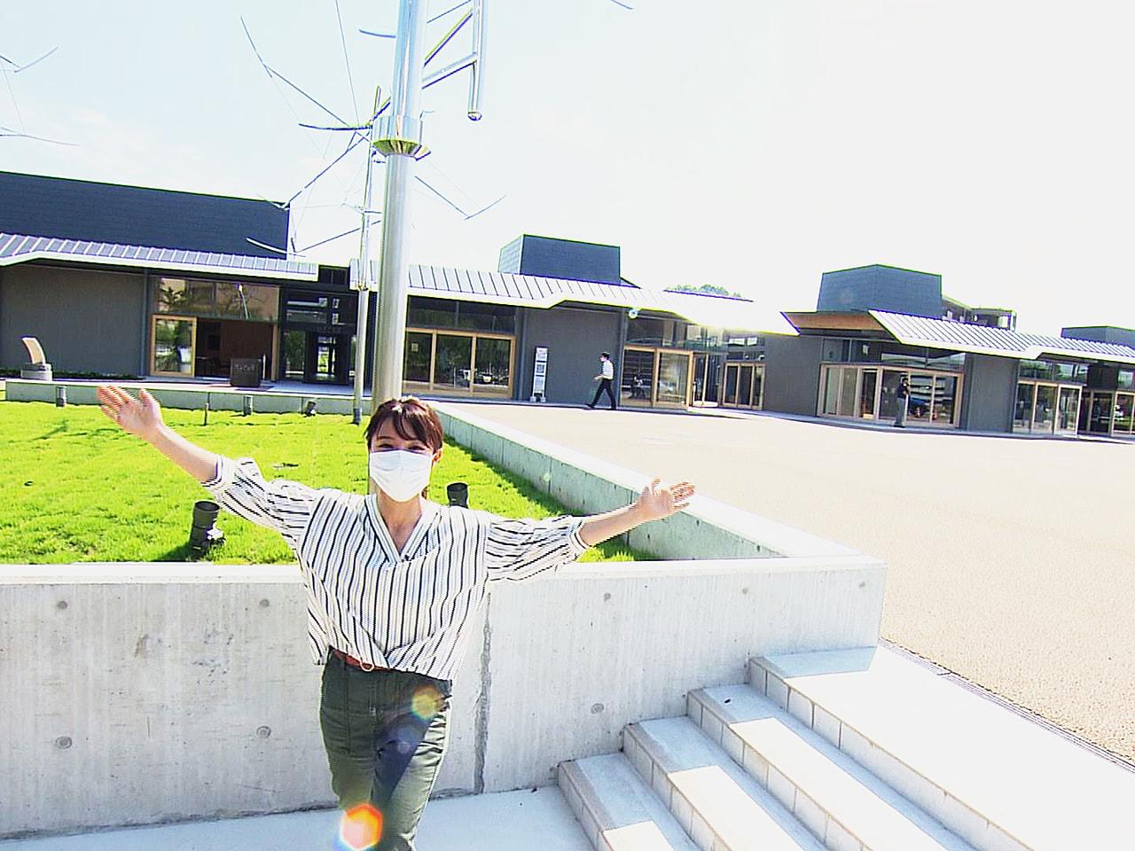 岐阜県関市にことし3月にオープンした新たな観光拠点「せきてらす」は、地場産業であ...