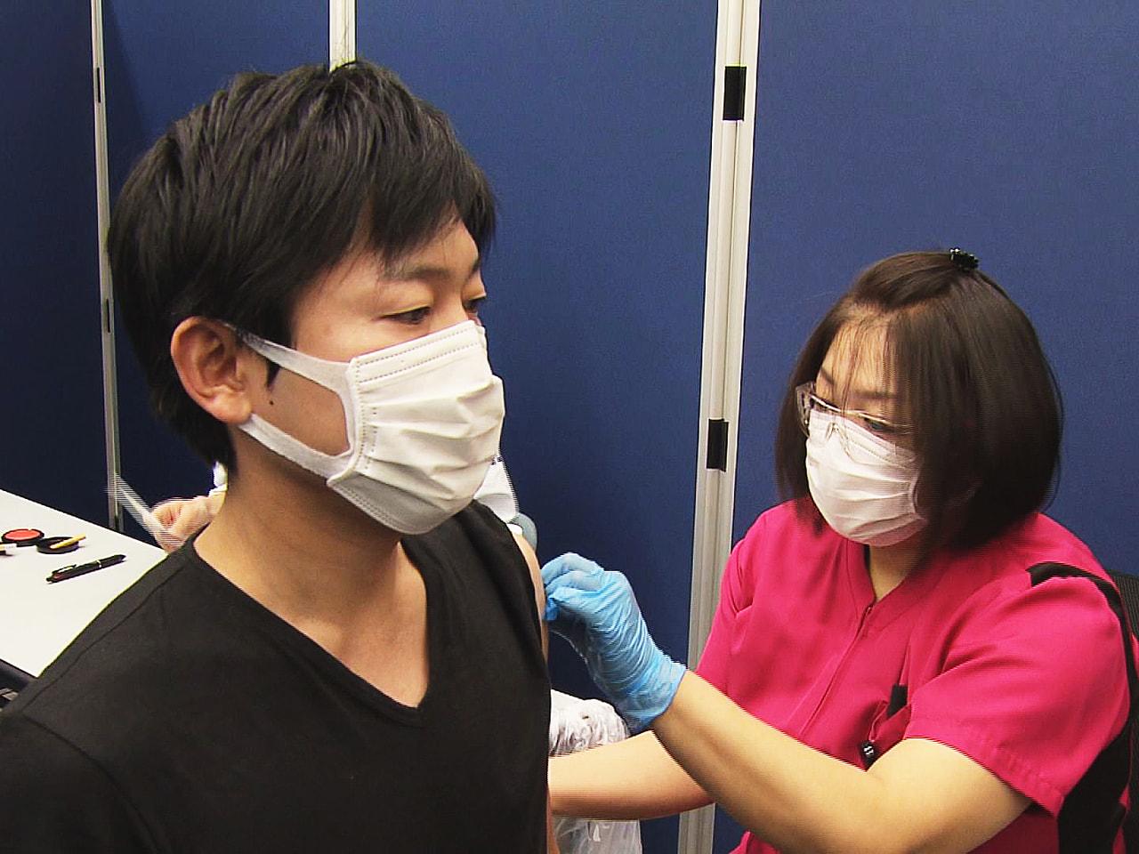 十六銀行は、行員や家族らを対象にした新型コロナウイルスワクチンの職域接種を始めま...