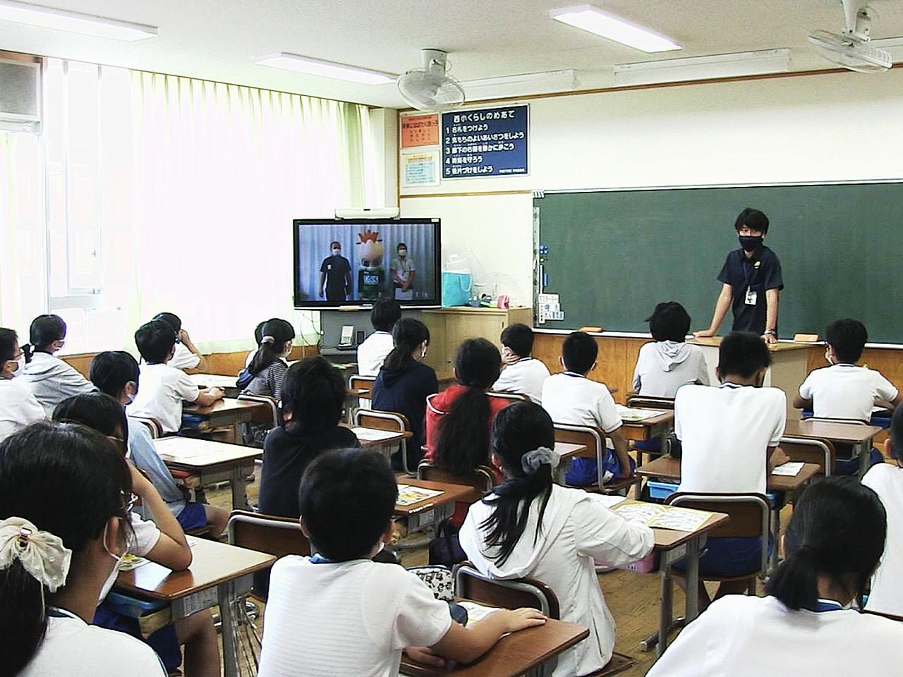 サッカー、FC岐阜の公式マスコットキャラクター「ギッフィー」による防災講座が15...