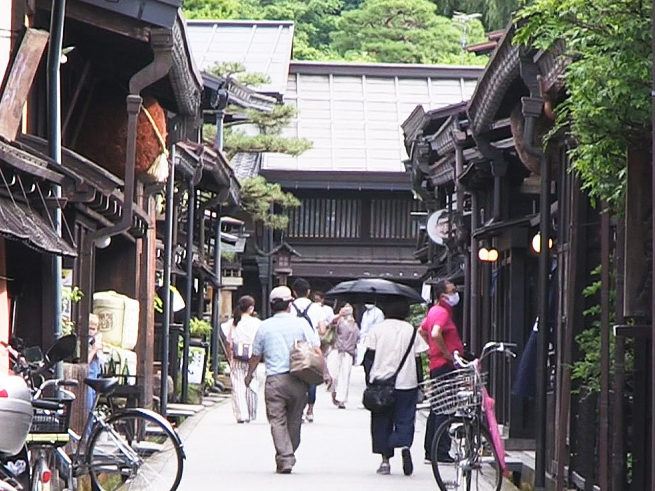 16日の県内は厳しい暑さとなりました。 岐阜県高山市は真夏並みでことし一番高い気...
