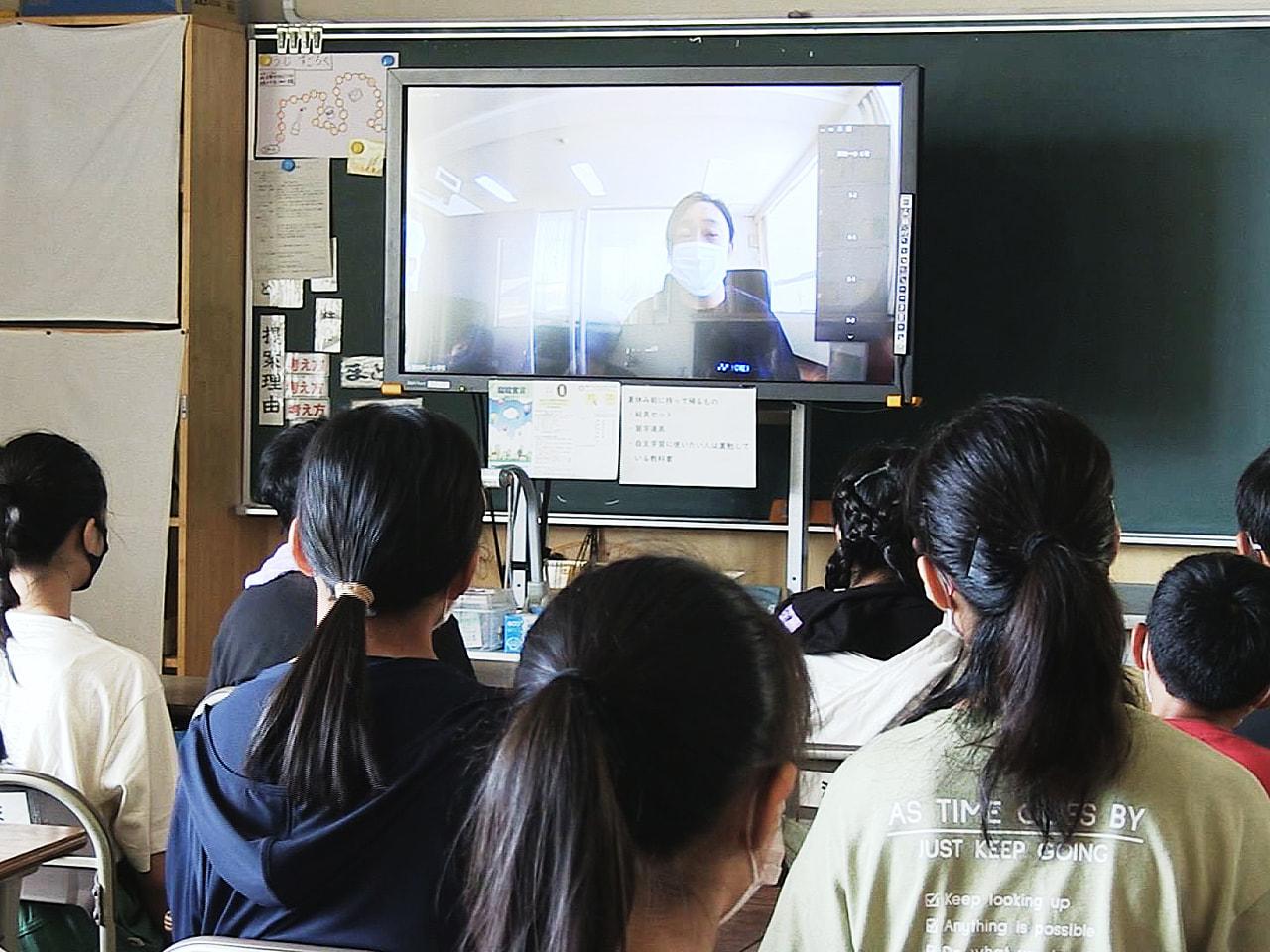 岐阜県内の公立小中学校約550校で20日、終業式が行われました。 21日から待望...