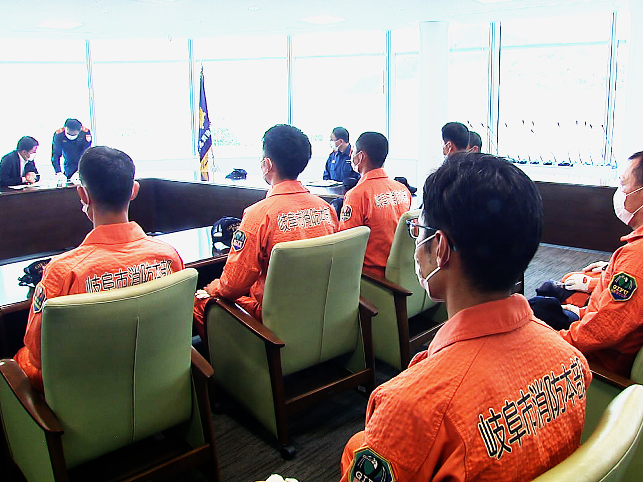 静岡県熱海市で発生した土石流の災害現場で捜索をした、岐阜市消防本部の職員が29日...