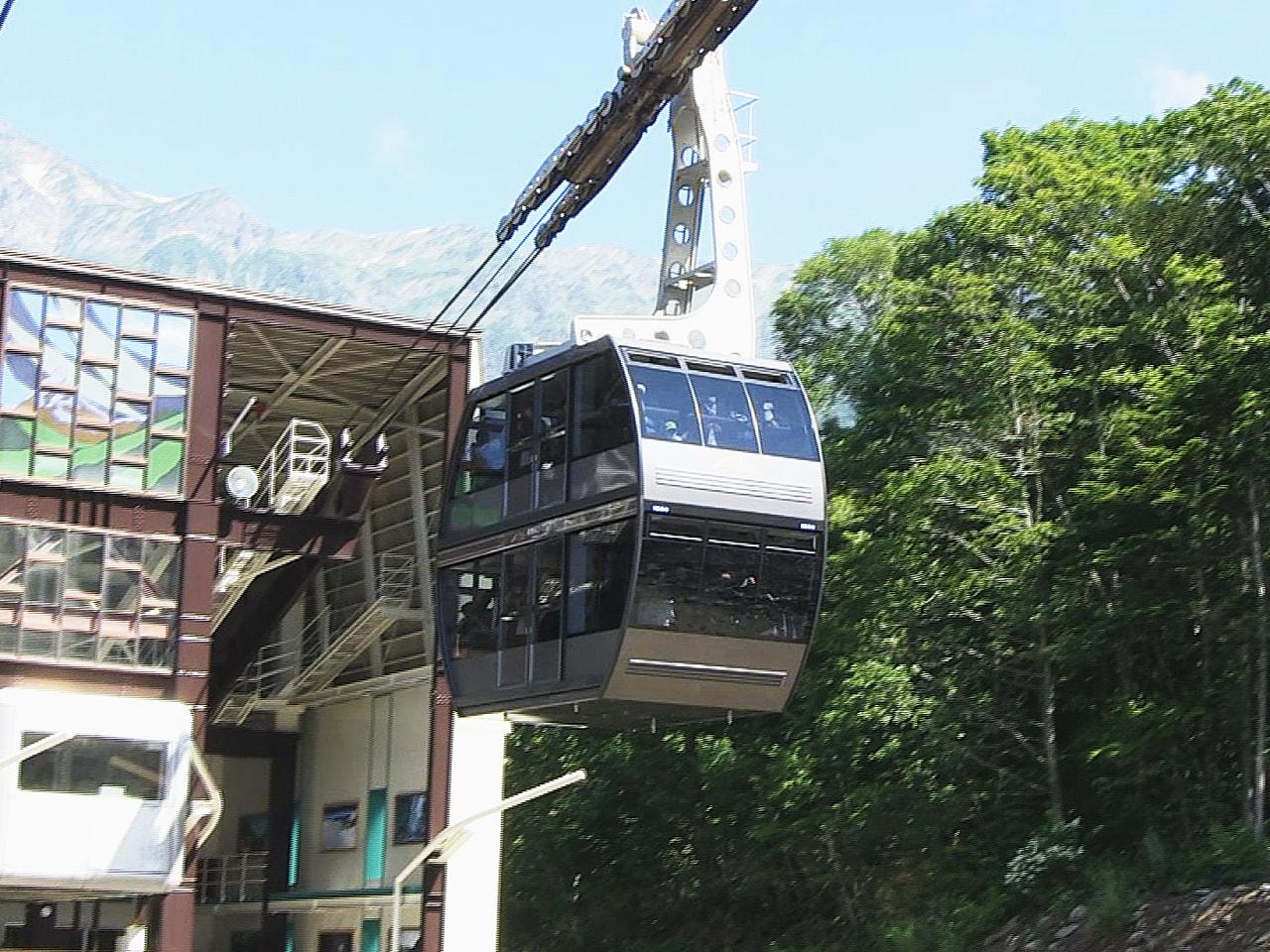 岐阜県高山市の「新穂高ロープウェイ」は、1970年に開業してから累計の乗車人数が...