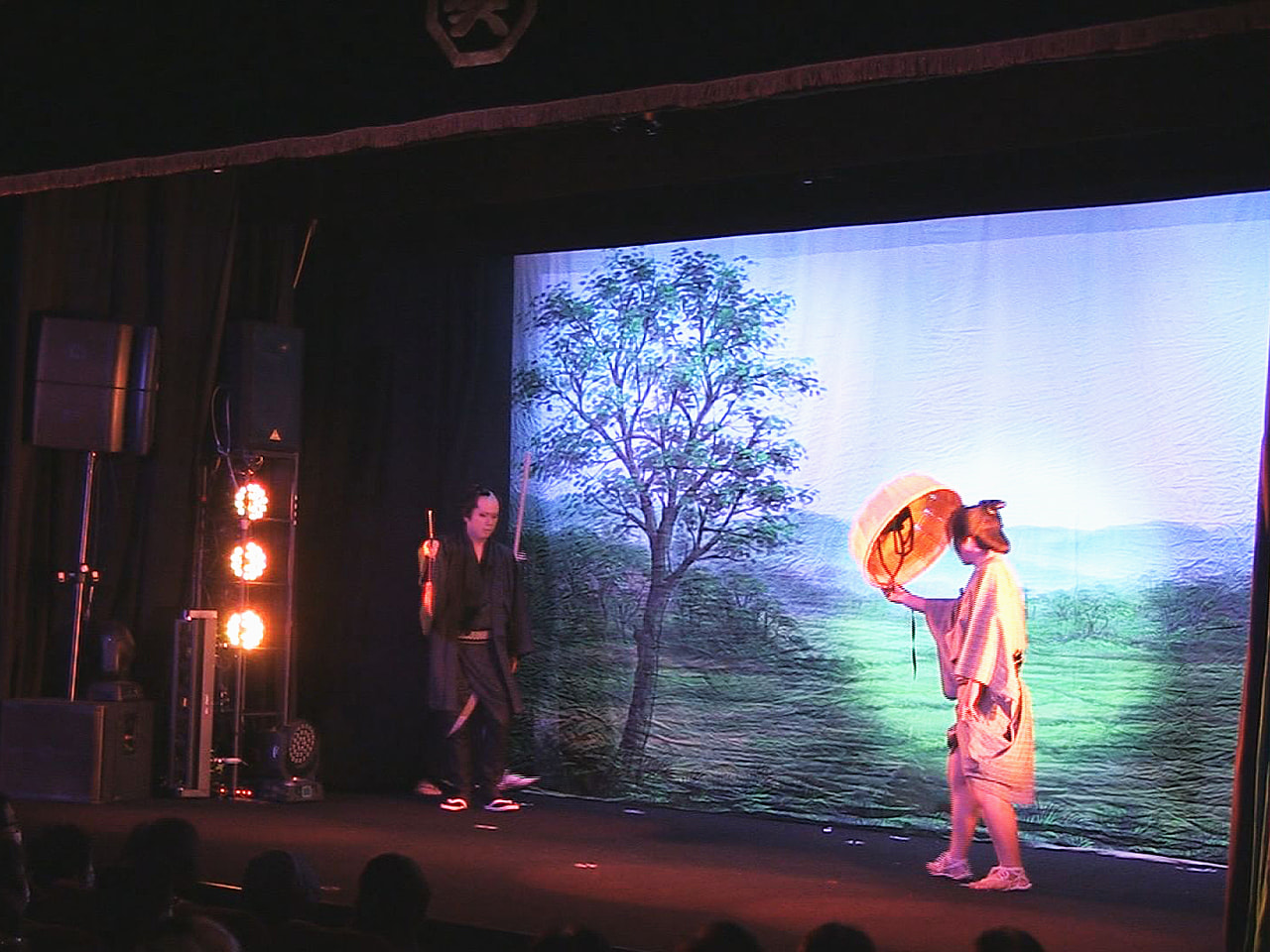 2020年12月に閉館した岐阜市柳ケ瀬地区の大衆演劇場「ぎふ葵劇場」が1日、新た...