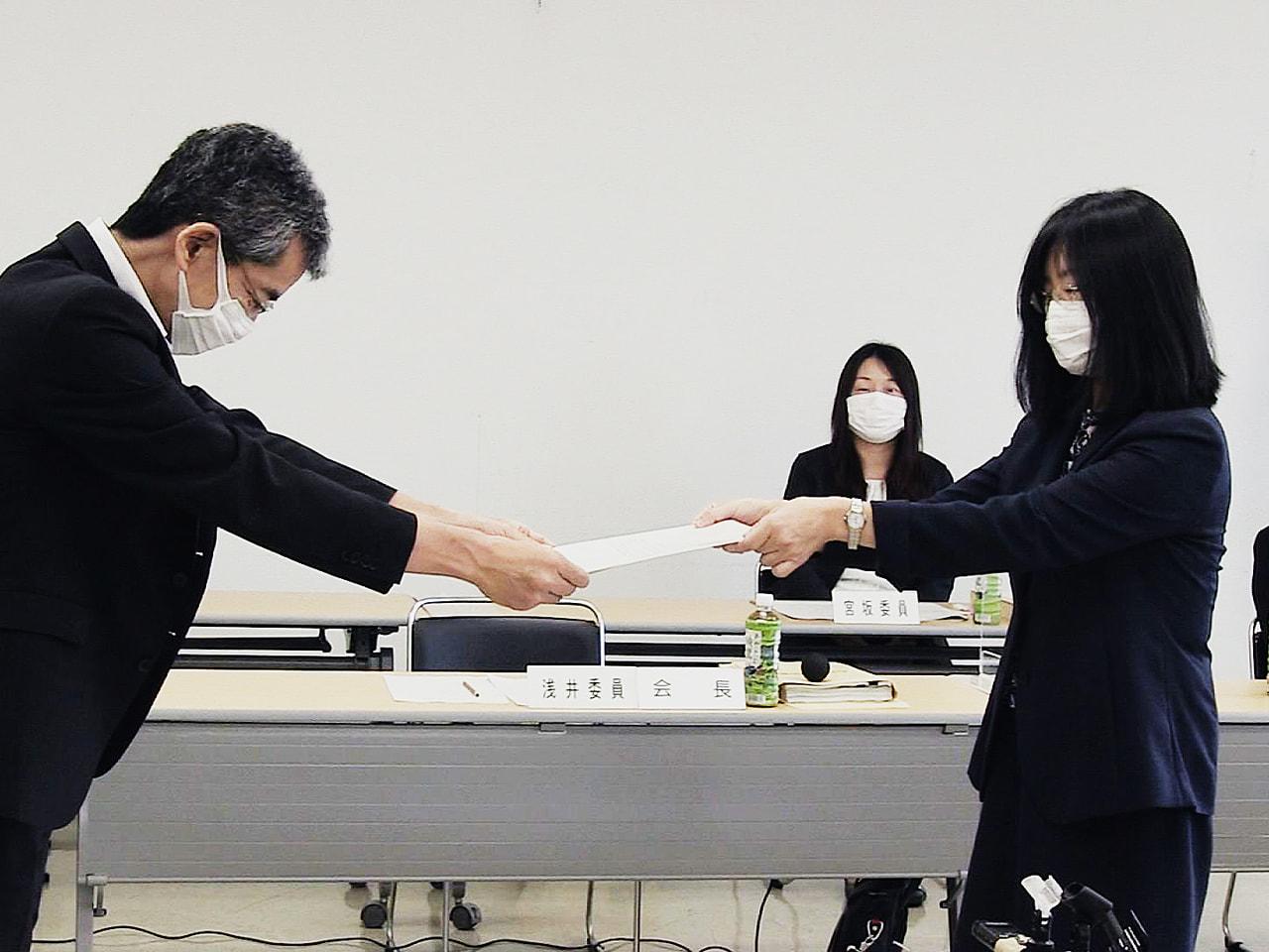 2021年度の岐阜県の最低賃金について、岐阜地方最低賃金審議会は3日、過去20年...