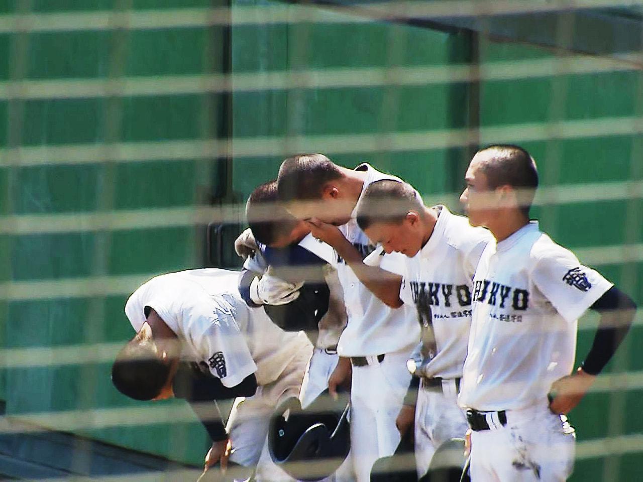全国高校軟式野球選手権大会は30日決勝が行われ、大会史上初の4連覇がかかる岐阜の...