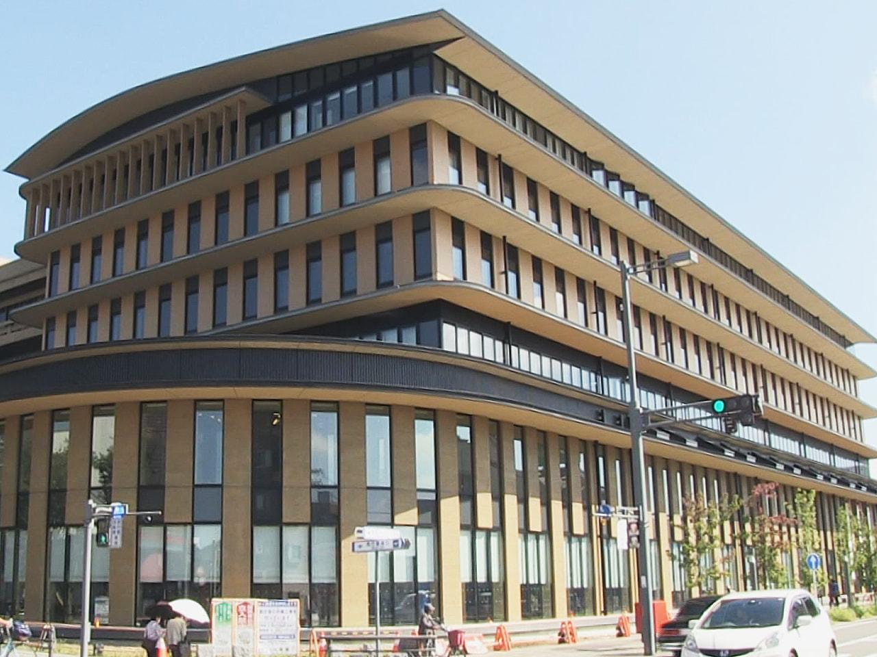 岐阜県各務原市役所の新しい庁舎が約半世紀ぶりに完成し、21日、オープンしました。...