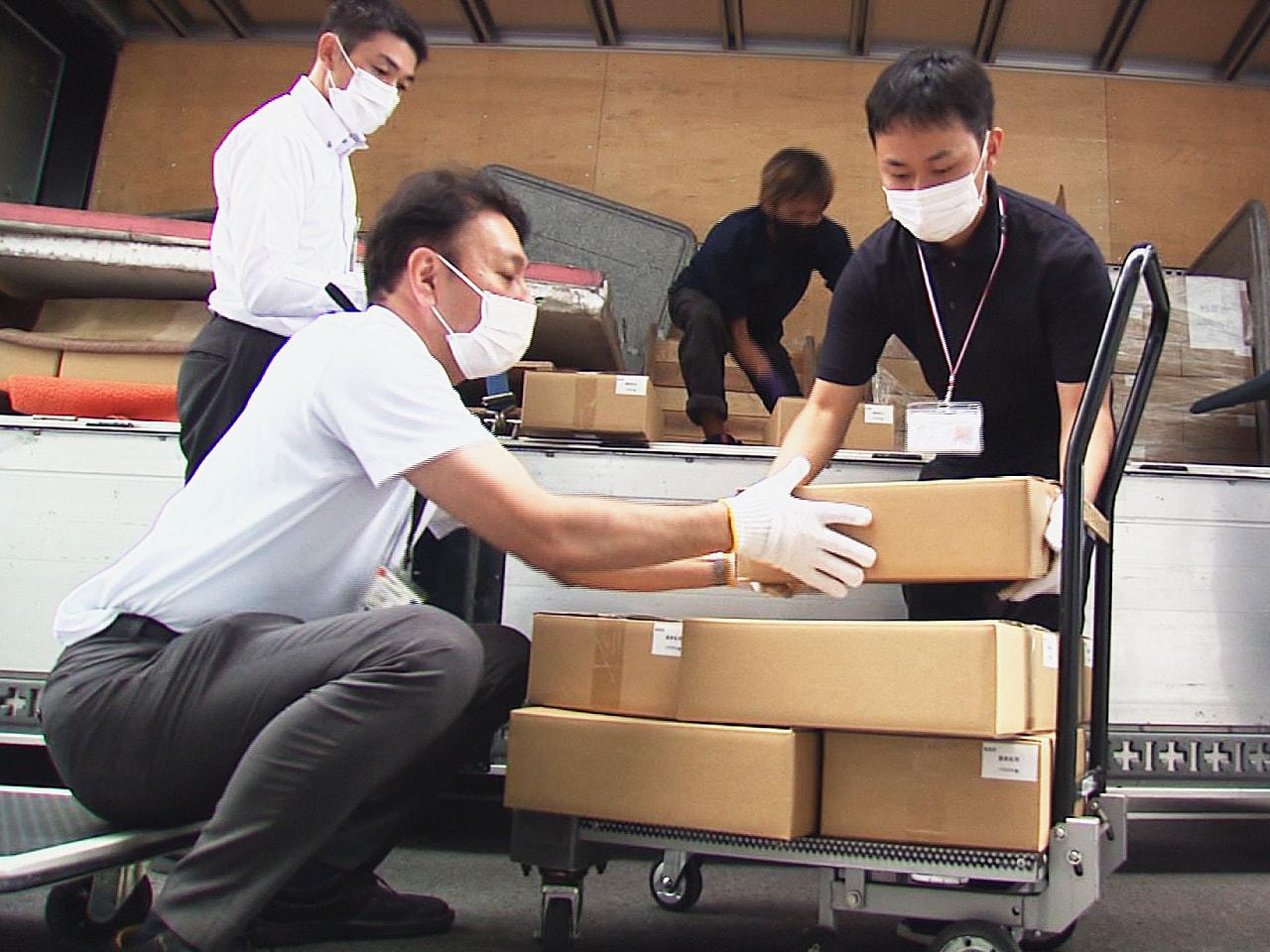 次期衆議院選挙が近づくなか、投票用紙や各種の書類が27日、岐阜県内42市町村それ...